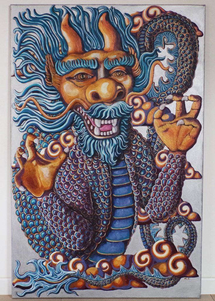 """<h3>Le dragon, acrylique sur toile, 115 x 75 cm, avril 2019, Lille, France</h3><p>""""Le dragon"""" est inspiré par la mythologie chinoise, notamment par les sculptures auprès des temples. Très différent de notre dragon occidental qui représente une force maléfique, le dragon chinois symbolise la puissance de la nation, la vie et la fertilité. En fait, dans les cultures d'Asie, il existe une variété de dragons qui ont chacun leur symbolique et qui sont liés aux différents éléments comme l'air, la terre, l'eau. </p>"""
