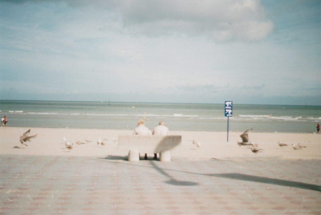 Photographie argentique, sur un banc avec toi, août 2016, Dunkerque, France.